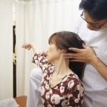 首の寝違え調整胸鎖乳突筋