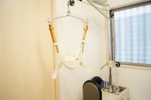 個人に合わせた強さの頚椎牽引器ではもうひと伸びも可能です。