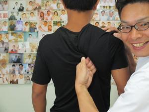 クロール肩痛い時に肩甲骨はがし