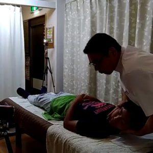 首のコキコキ整体頚椎矯正
