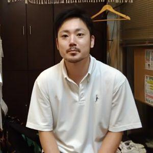 漫才コンビ笑い飯の西田幸治風に映してしまってスミマセン