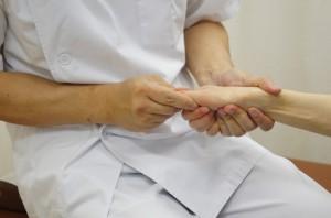 関節の調整をして腱鞘炎を和らげます