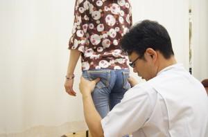 立位股関節を揺さぶる