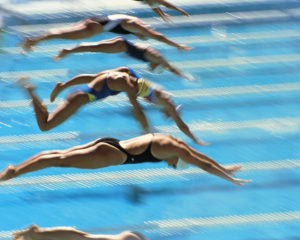 水泳クロール平泳ぎ