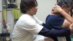福島区肩甲骨の可動域改善背骨矯正.MP4_000017294