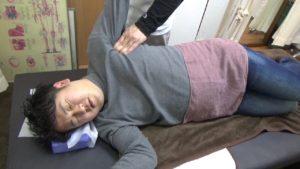 藤井寺市身体の硬さ胸の内側を緩める